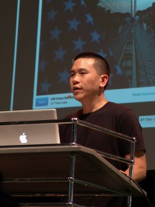 Eric Cheng talks about Lytro and Living Pictures, Photokina 2012 (photo: LightField Forum)