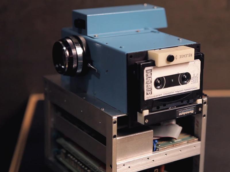 Rückblende: Erfinder Steven Sasson Über die Erste Digitalkamera der Welt (Video-Screenshot)